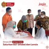Penyaluran bantuan sosial tunai (BST) untuk warga terdampak kebijakan PPKM Dar…