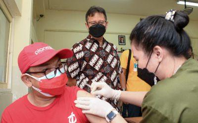 Menkes Budi Tinjau Layanan Sentra Vaksinasi SMA Pangudi Luhur – Sehat Negeriku