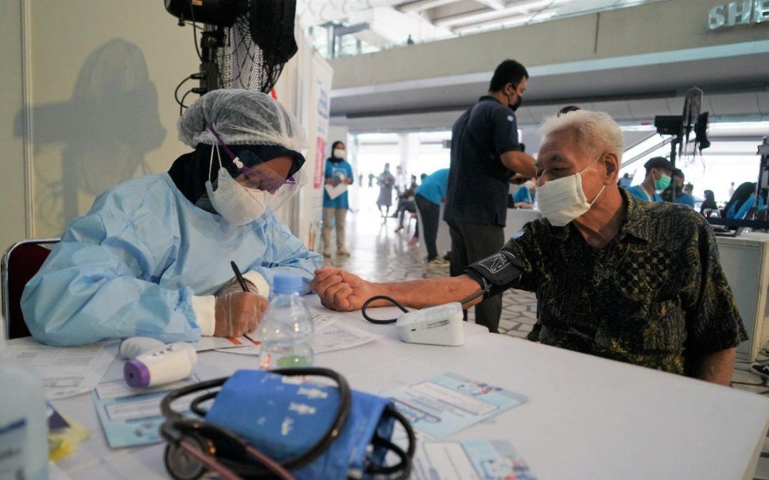 Menkes Budi Dukung Layanan Sentra Vaksinasi oleh Traveloka di Bandara Soetta – Sehat Negeriku