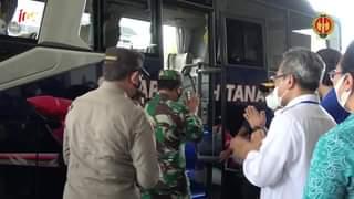Wakil Gubernur DIY, KGPAA Paku Alam X mendampingi Panglima TNI Marsekal TNI Ha…